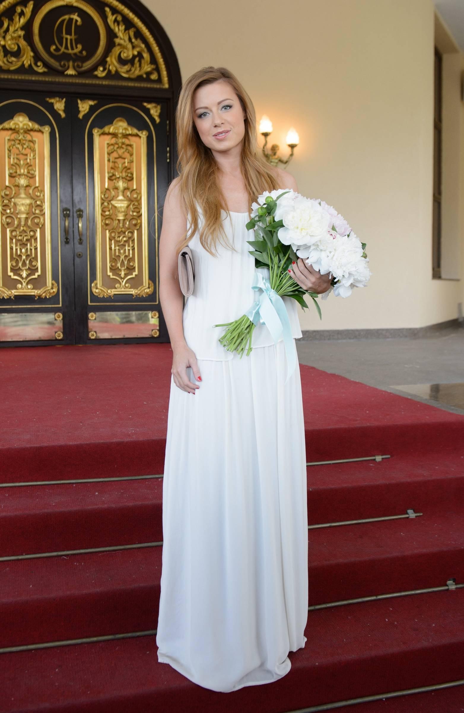 недавнего свадьба савичевой фото со свадьбы можно